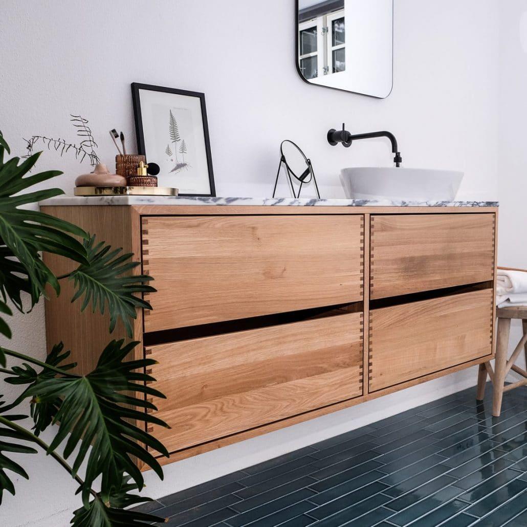 Snedkerlavet badeværelsesmøbel modul 160